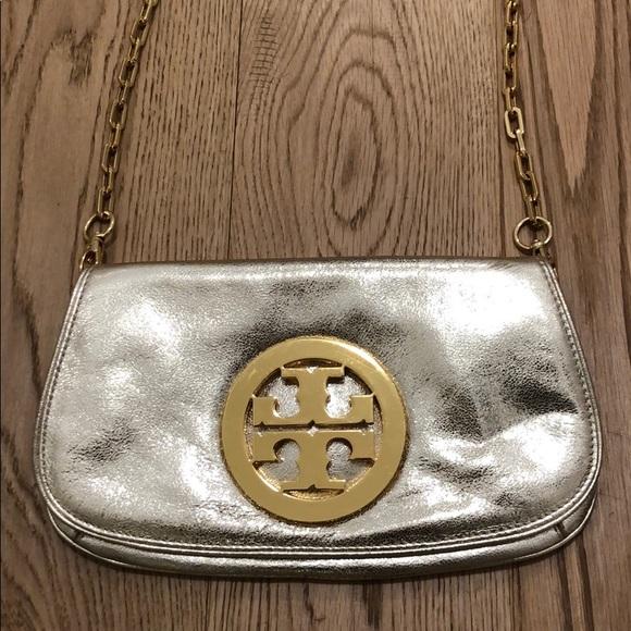 Tory Burch Handbags - Tory Burch Reva Crossbody Gold
